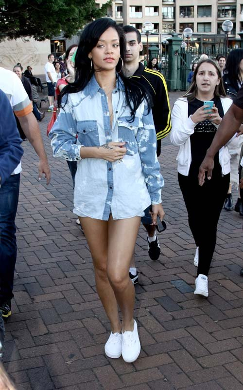 Get The Look: Rihanna in Sydney Harbour