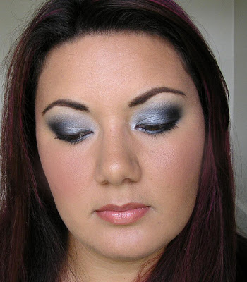 Weekend Beauty Look – Silver, Grey & Black Smokey Eye
