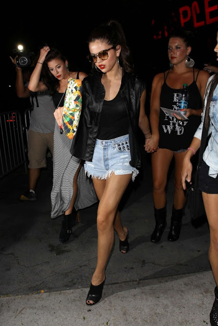 Get The Look: Selena Gomez at the Beyonce Concert (July 1)
