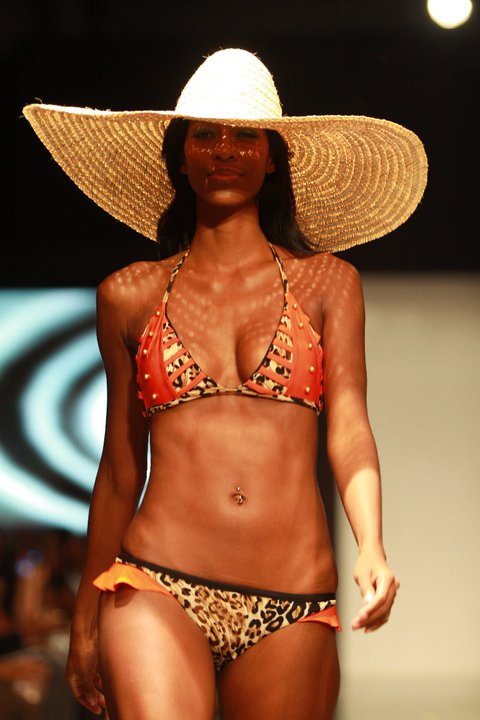 """Must-Have Swimsuit : Jae Jolly's """"Ayodele"""""""